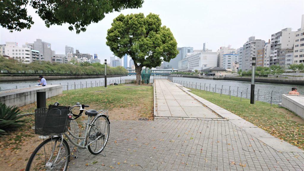 大阪ストーリー(8) 中之島、東端から西端へのママチャリ・ツアー