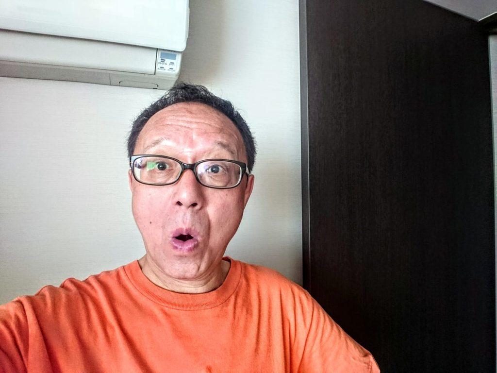先ほど、口ひげを剃りました! 明日、鼻の手術のために