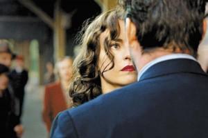 妻が妻を演じる……?? 夫婦再生を描いたドイツ映画『あの日のように抱きしめて』