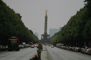 天使が舞い降りたベルリンの記念塔~