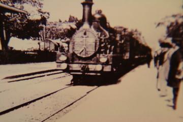 列車の到着(1)