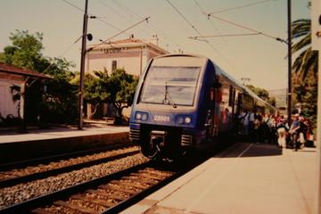 列車の到着(2)