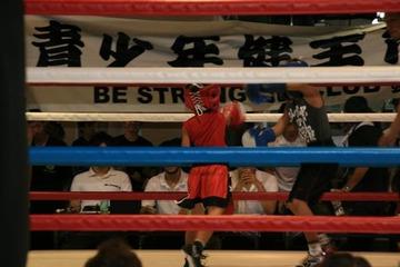 ボクサーの教え子、リングで圧勝~!