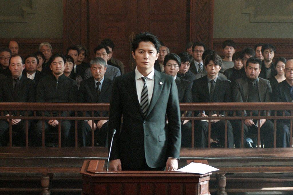刑事事件の裏側をえぐった日本映画『三度目の殺人』